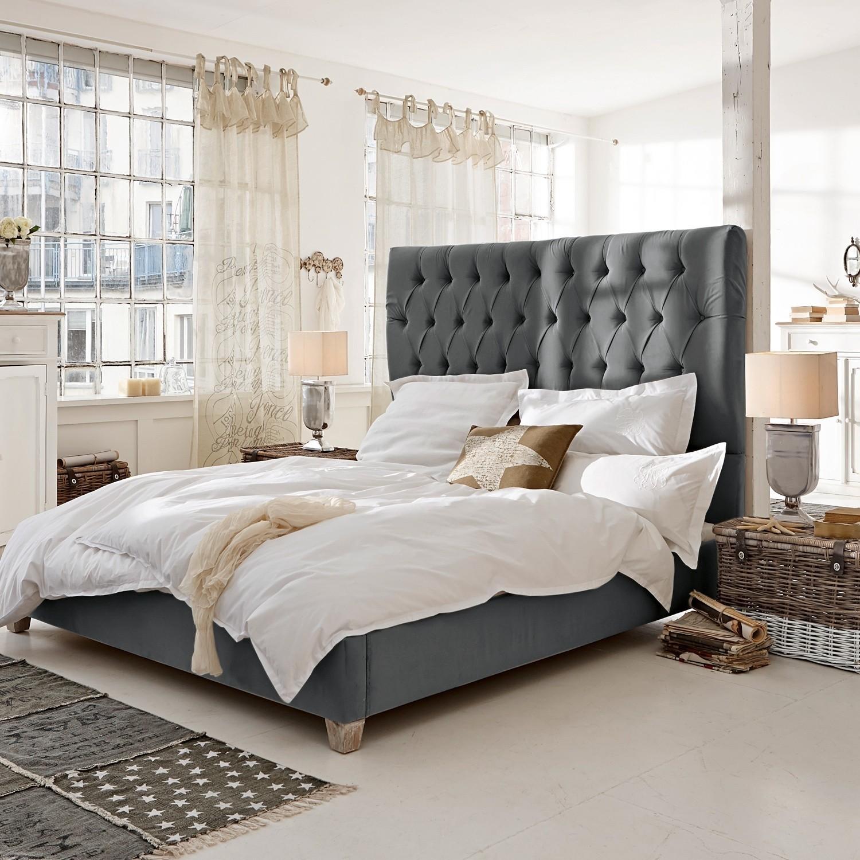 Bed Benton